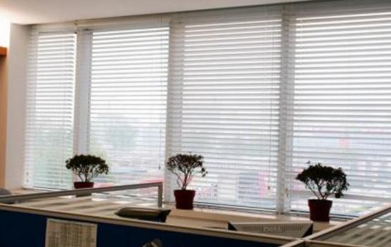 电动百叶窗拉不动了怎么办,电动百叶窗保养维护方法